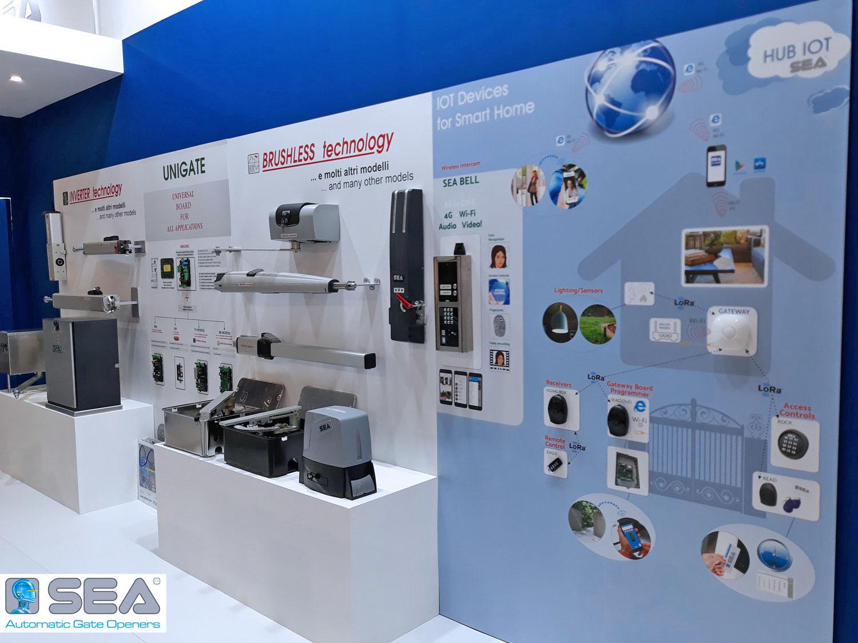 Стенд на выставке с итальянской автоматикой для ворот SEA